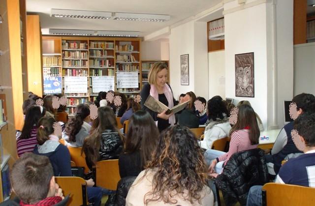 Simona_Maiozzi_lettura_scuole_medie_giornata_ricordo_foibe_esodo_istria (2)